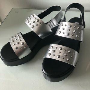 57a9847f65e Steve Madden Shoes -  NIB  Steve Madden Radiate Platform Sandal